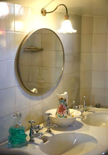 Lustra łazienkowe Z Oświetleniem Czy Bez A Może Z Półką